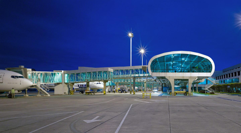 Aeroporto Santos Dumont : Santos dumont airport carlos fortes